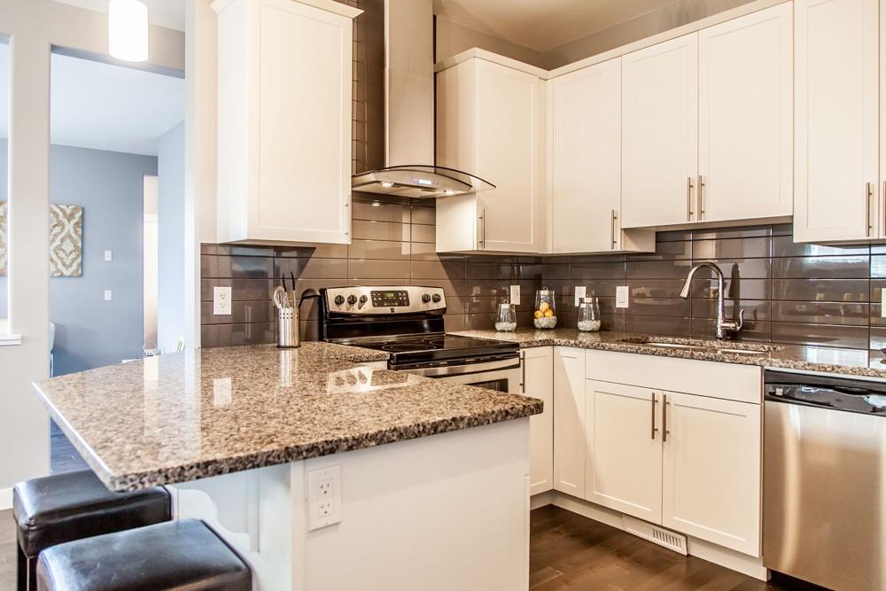 Duplex kitchen by City Homes, Edmonton new home builder