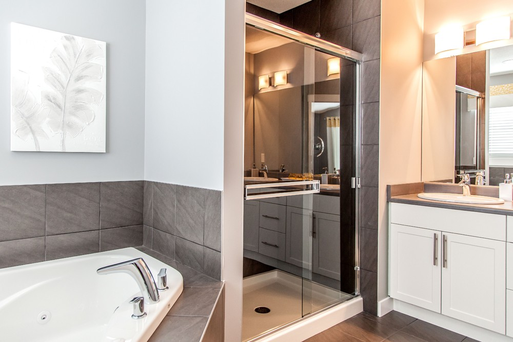 Shower and ensuite by City Homes, Edmonton new home builder