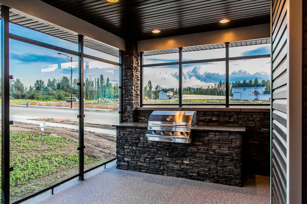 Built-in Gas BBQ with covered deck in Edmonton by City Homes Master builder