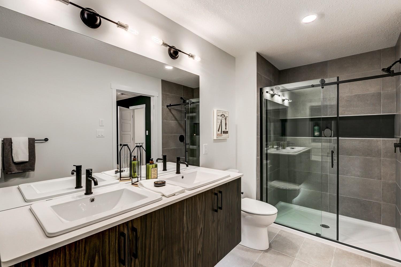 Master Ensuite in Rear Detached Home by Edmontons Best Builder